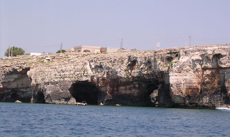 caves of tre porte